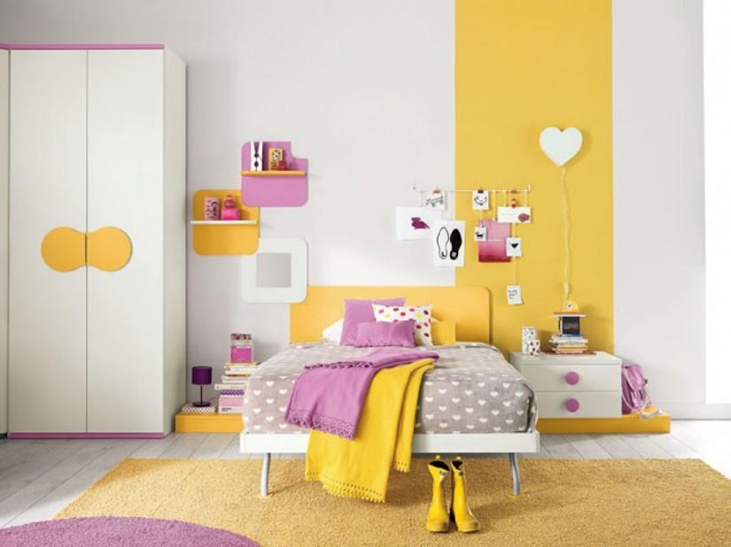 PROPOSTA C119 • particolare del letto con panchette e comodino in appoggio