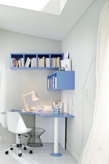 PROPOSTA AC205 • Particolare Zona studio con scrittoio  piano safomato e n°2 libreria sospesa