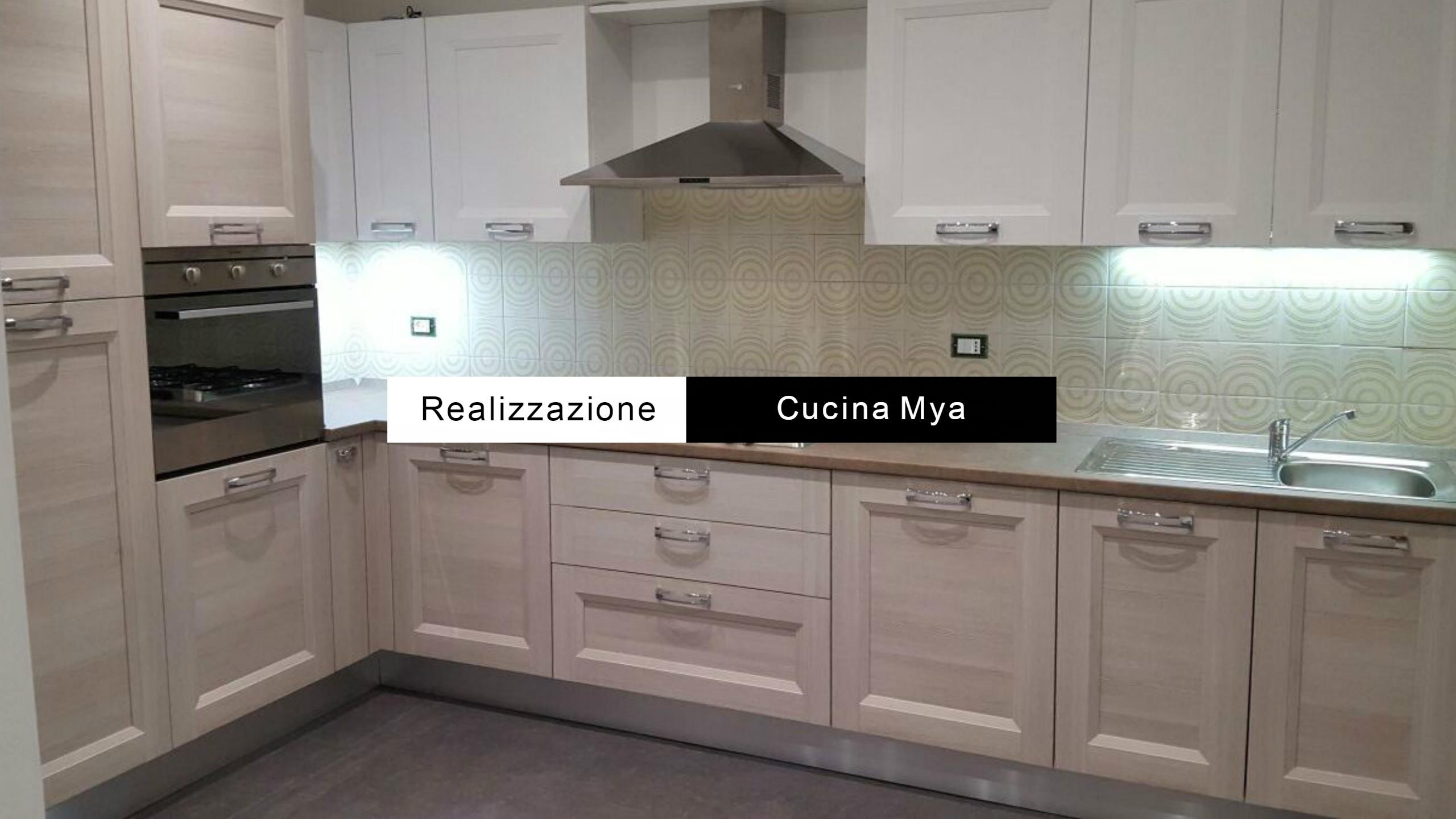 Cucine Grigie. Cucina Moderna Con Ante Lucido U Ikea With Cucine ...