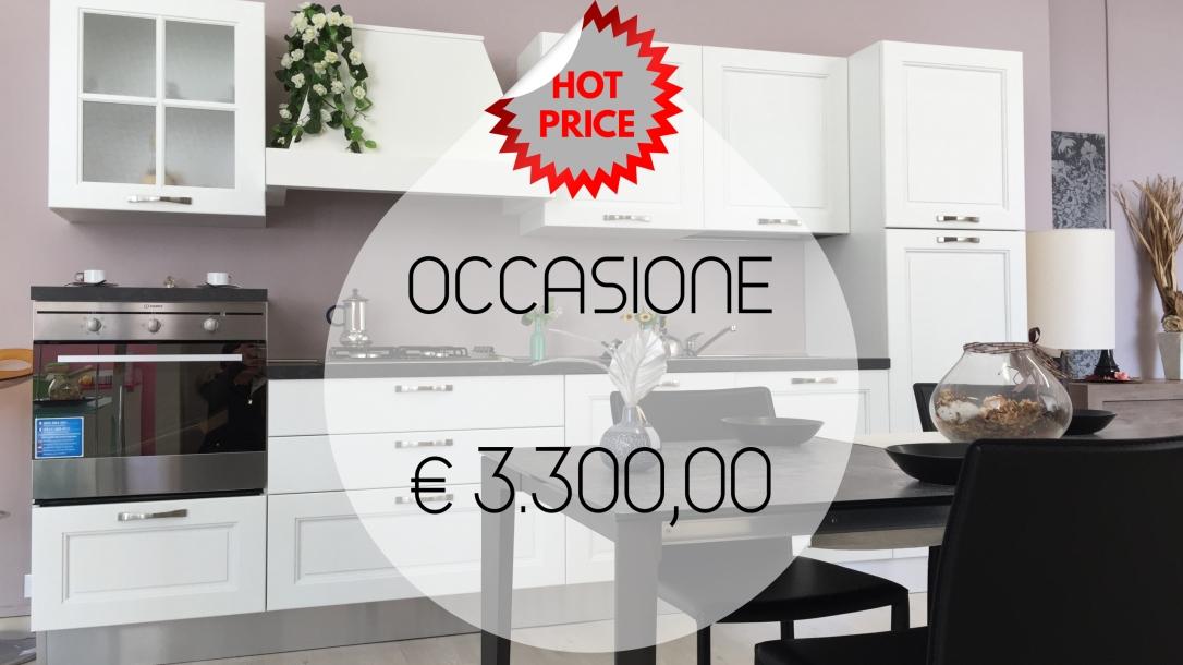 Occasione-cucina-legno-massello-in-Ancona